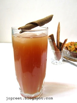 Apple, Pear & Cinnamon Sharbat
