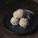 Jowar Dates Laddu / Cholam Maavu Ladoo