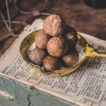 Kamarkat / Coconut Jaggery Balls (Hard Ball Candy) – No Ghee Sweets