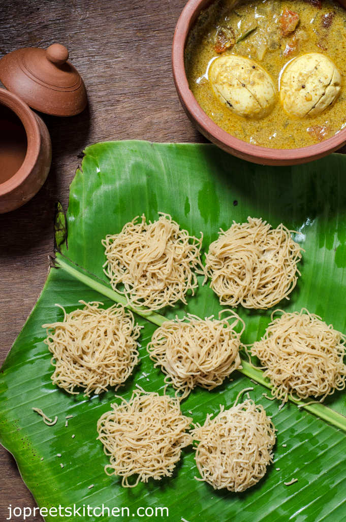 Thinai Maavu Idiyappam / Foxtail Millet String Hoppers / Thinai Sevai Recipe