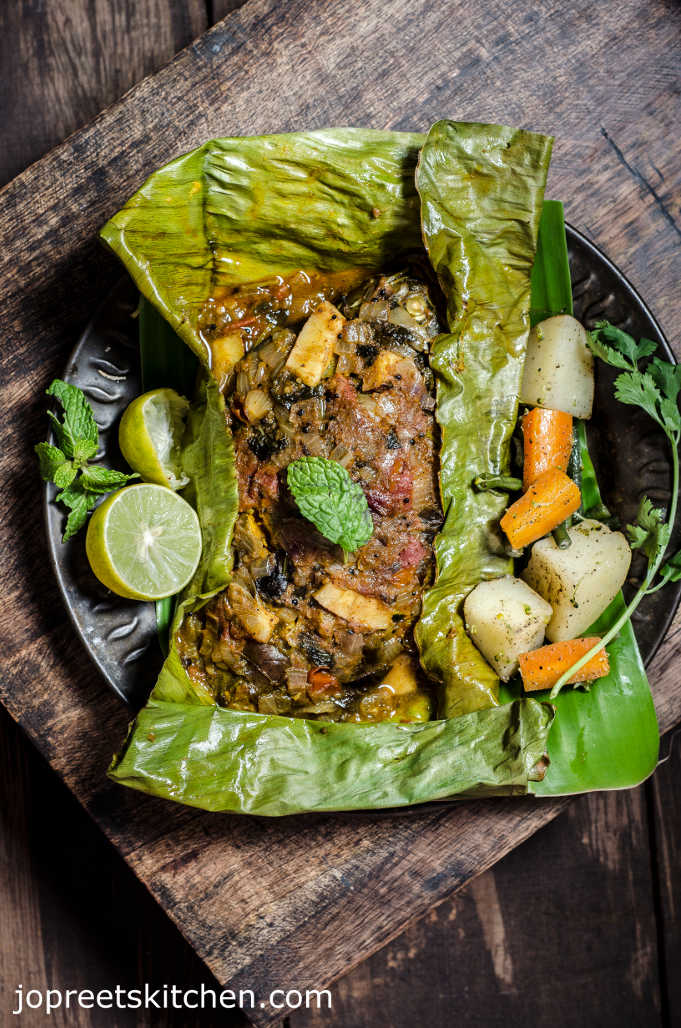 Baked Whole Fish Masala In Banana Leaf Indian Style Jopreetskitchen