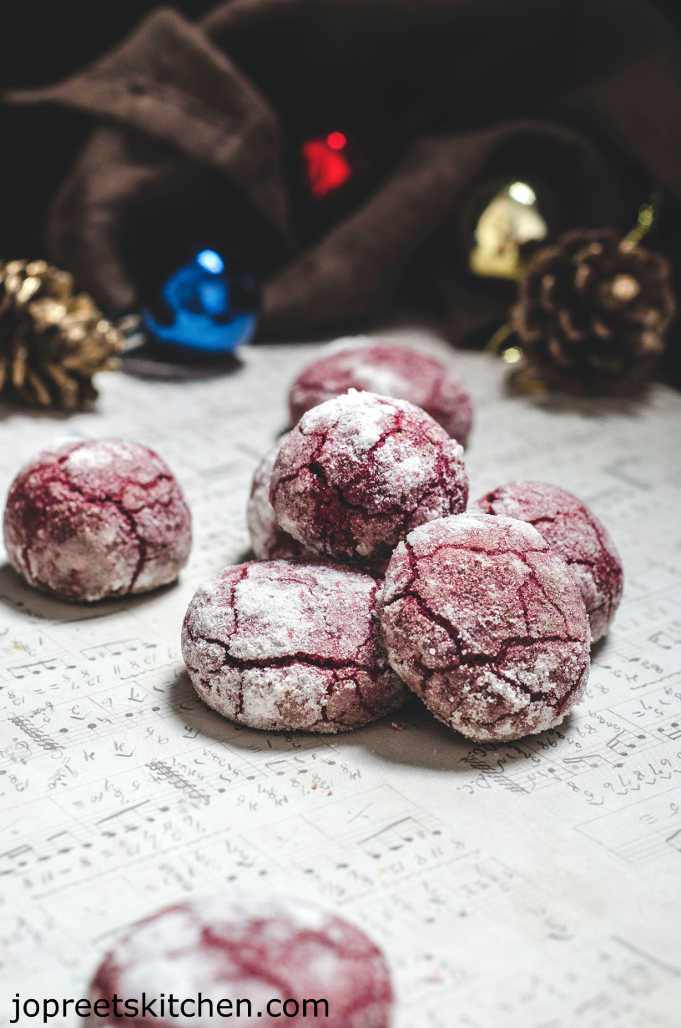 Vegan Beets Cookies / Red Velvet Crinkle Cookies Recipe