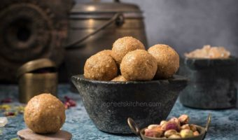 Gond ke Ladoo | Wheat Dry Fruits Ladoo | Healthy Ladoo Recipe