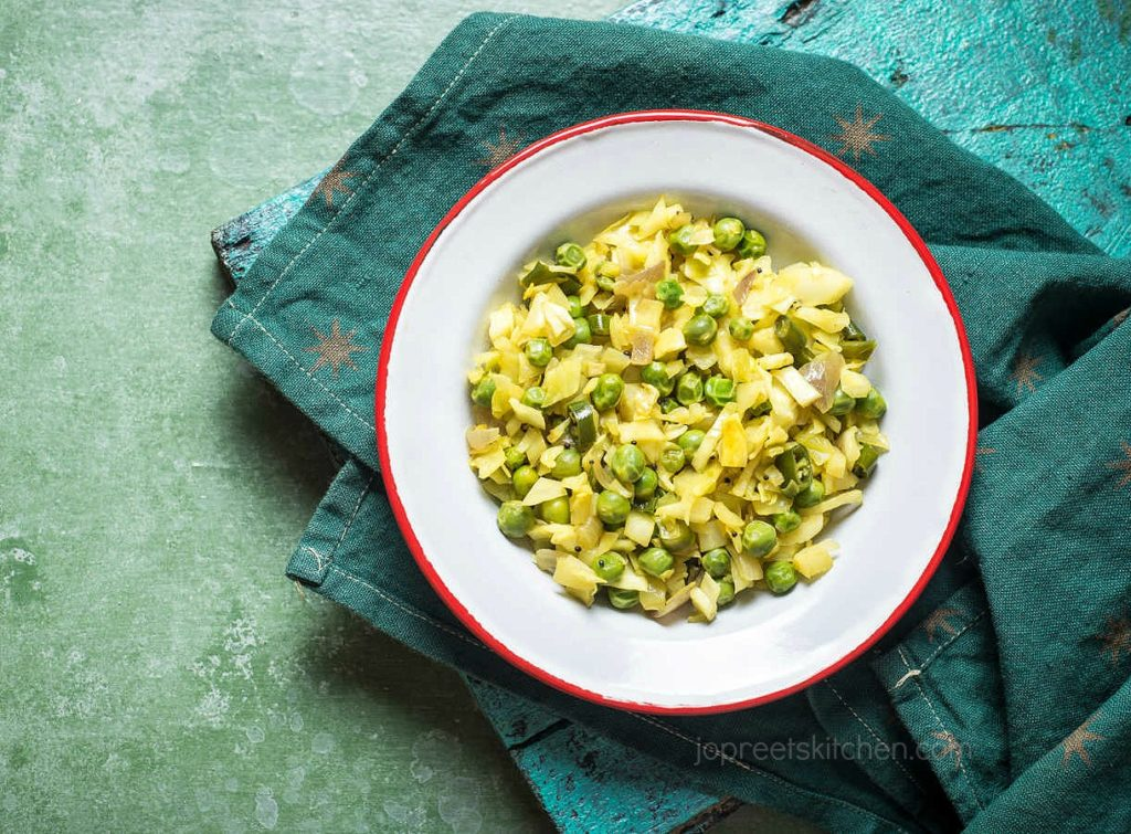 Simple Muttaikose Poriyal, Cabbage Peas Stir Fry