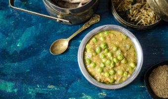 Phalguni Dal Recipe, Green Peas Curry for Roti