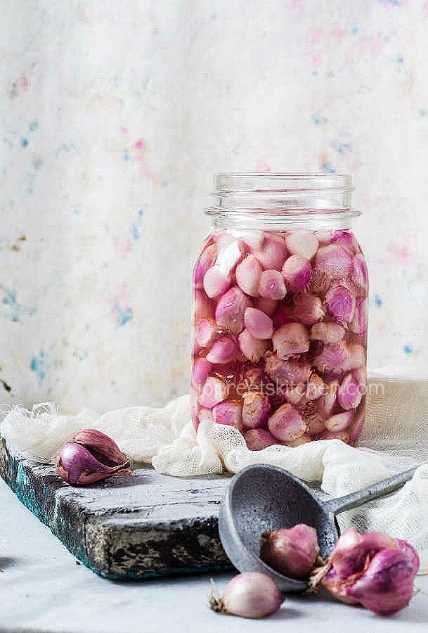 Sirkewale Pyaaz | Pickled Onions Recipe